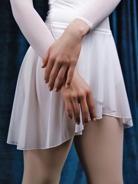 white_skirt_2